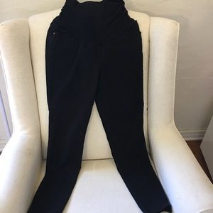 A Pea in a Pod Maternity Black Pants (Stretchy)